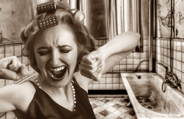 kričiaca žena.jpg