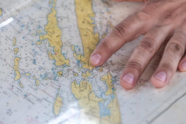 ruka na mape.jpg