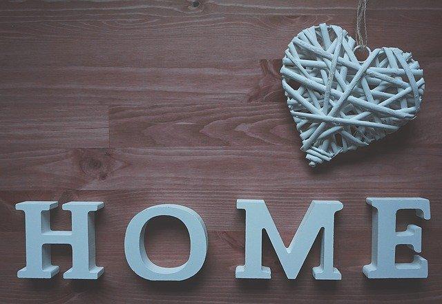 dřevěná dekorace.jpg