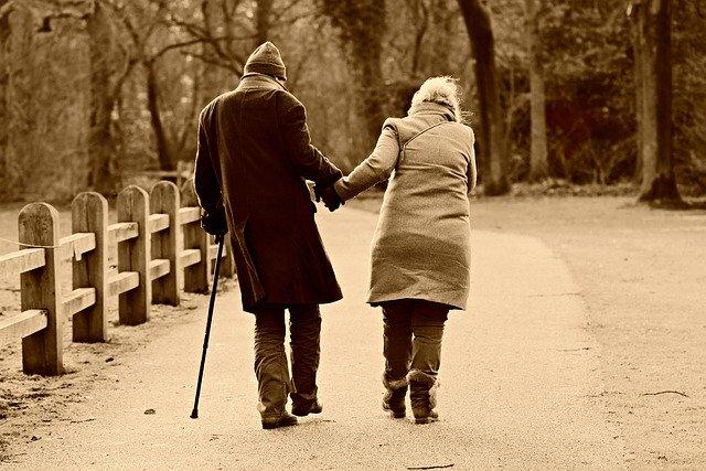 pár dôchodcov.jpg